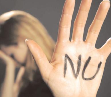 Reţinut pentru violenţă în familie şi ameninţare