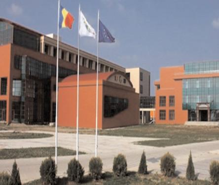 """Peste 1560 de absolvenţi de liceu s-au înscris în sesiunea de admitere din această vară, la Universitatea """"Valahia"""""""