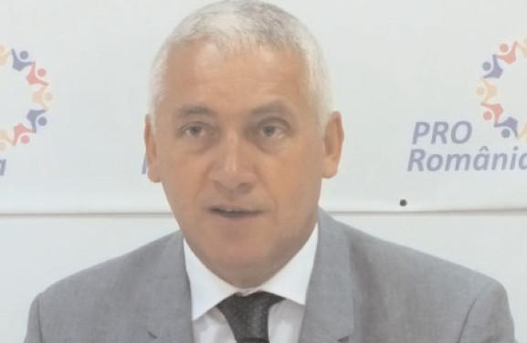 """Adrian Ţuţuianu, Pro România, condamnă decizia guvernului, de a înjumătăţi valoarea tichetelor aferente Programului """"Şcoală după şcoală"""""""