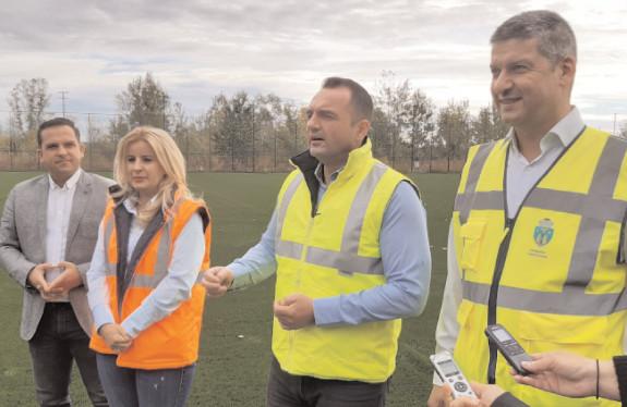 Târgovişte: Teren de fotbal omologat UEFA, funcţional în două-trei săptămâni