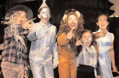 Elevii vor avea posibilitatea de a studia teatrul ca disciplină opţională