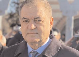 Subprefectul judeţului Dâmboviţa, confirmat cu COVID-19 iar prefectul a fost carantinat la sediul Prefecturii Dâmboviţa, fiind considerat contact direct, deşi rezultatul testului a ieşit negativ