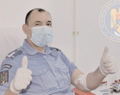 Un jandarm dâmboviţean, vindecat de COVID-19, a donat plasmă