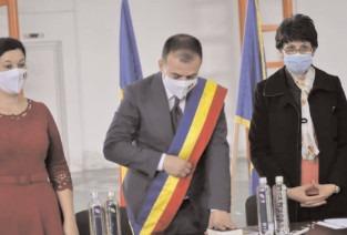 Primarul Emanuel Spătaru a depus jurământul pentru cel de-al doilea mandat