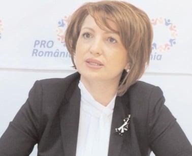 """Oana Vlăducă, Pro România:""""Candidez la Senat cu gândul de a câştiga!"""""""