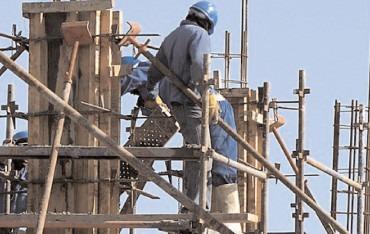 Mai puţine autorizaţii de construcţii eliberate în Dâmboviţa