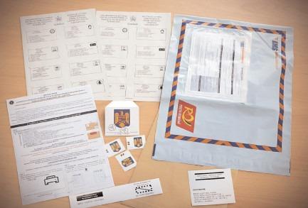 Până pe 3 decembrie 2020, plicul exterior ce conţine buletinele de vot şi certificatul de alegător trebuie să ajungă la biroul electoral pentru votul prin corespondenţă, la misiunea diplomatică sau la oficiul consular