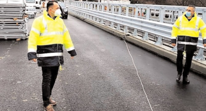 Circulaţia pe podul de la Teiş va fi deschisă pe ambele sensuri
