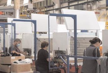 Exporturi mai mici cu 12,8% în primul semestru al anului
