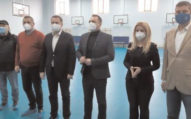 """Sală şi bază sportivă în aer liber pentru elevii Colegiului Naţional """"Constantin Carabella"""""""