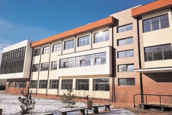"""Şcoala Gimnazială """"Mihai Viteazul"""" este gata să-şi redeschidă porţile"""