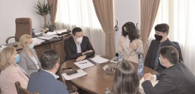 Consiliul Judeţean al Elevilor Dâmboviţa, în dialog cu conducerea Consiliului Judeţean Dâmboviţa