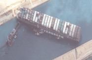 11 nave cu animale vii din România, blocate după dezastrul din Canalul Suez