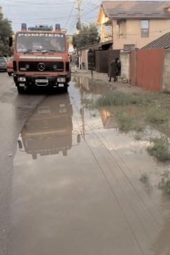 Gospodării inundate în comunele Cojasca, Bilciureşti şi Potlogi