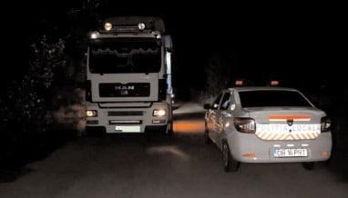 Poliţiştii locali din Titu au interceptat încă un transport de gunoi din alt judeţ!