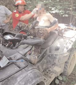 A ajuns cu ATV-ul într-o râpă, în zona Pucheni