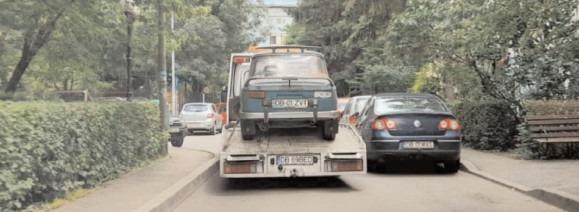 Târgovişte: Primăria va ridica în jur de o sută de maşini abandonate pe domeniul public