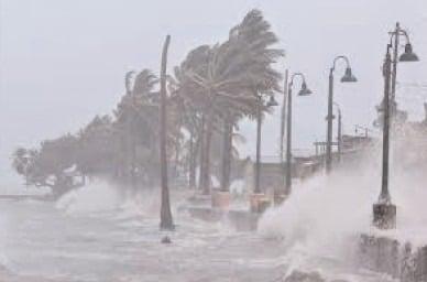 Românii, sfătuiţi să evite sau să amâne călătoriile în SUA ca urmare a alertei meteo pentru uraganul Elsa