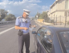 În Dâmbovița, polițiștii au reținut 105 permise de conducere pentru depășirea limitei legale de viteză cu peste 50 de km/h
