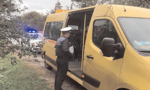 Razie a polițiștilor dâmbovițeni privind transportul de elevi
