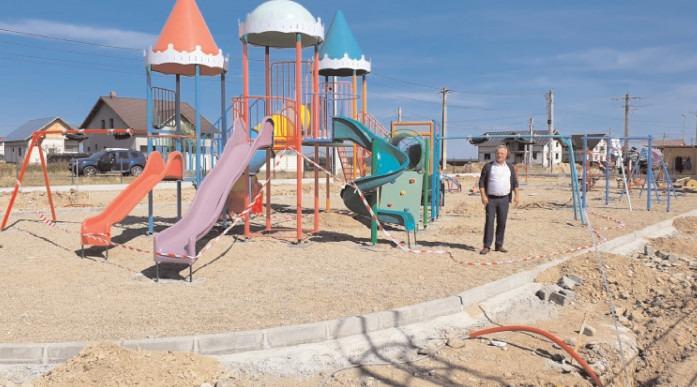 Dragomirești: Primăria construiește un loc de joacă în Cartierul Tineretului