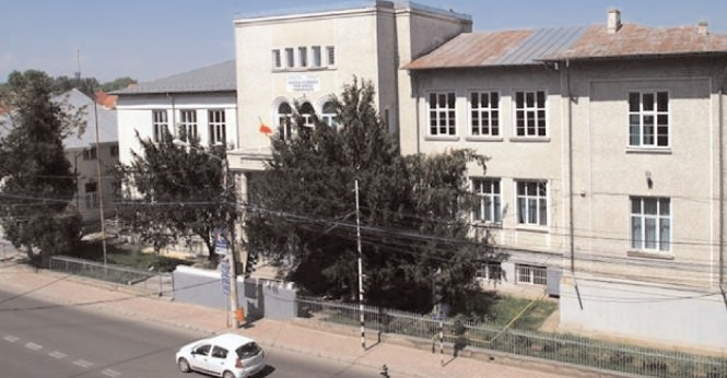 Colegiul Economic Târgoviște, din nou la cursuri online