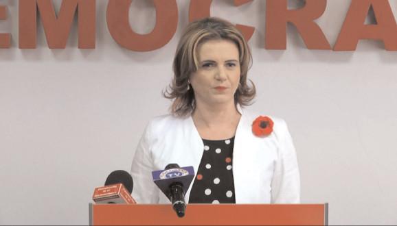Preşedintele OFSD Dâmboviţa. Claudia Gilia: România are un preşedinte care şi-a încălcat rolul statuat de art. 80, alin. 2 din Constituţia României, a incitat şi chiar a alimentat protestele