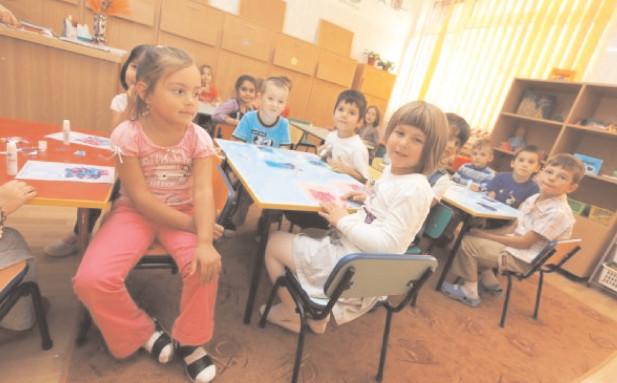 Începe înscrierea copiilor la clasa pregătitoare. În Dâmboviţa, peste 4000 de copii sunt aşteptaţi să se înscrie