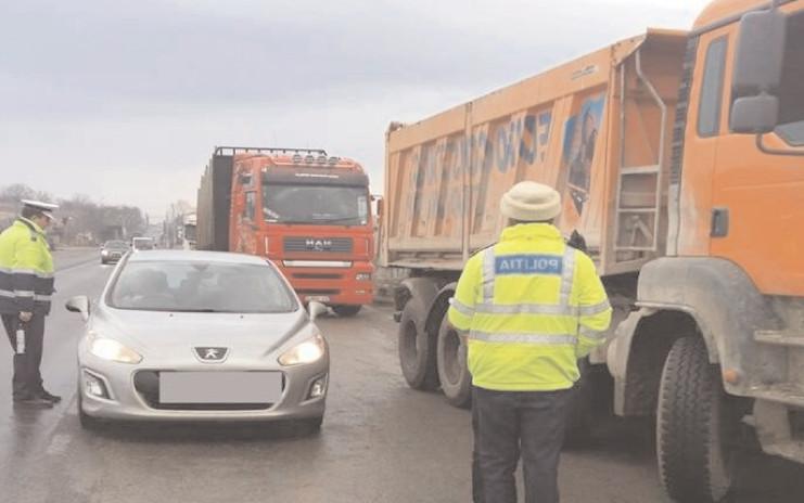 Transportul de persoane şi de marfâ, în atenţia poliţiştilor