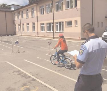 """Etapa naţională a concursului """"Educaţie rutieră, educaţie pentru viaţă"""", la Târgovişte"""