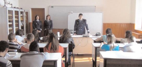 Începe şcoala! Recomandările Poliţiei dâmboviţene pentru părinţi şi copii