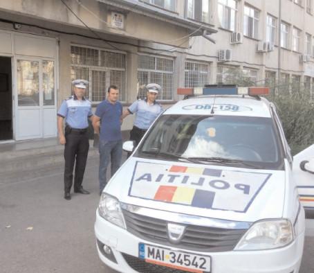ŞOFERII CARE AU FUGIT DE LA LOCUL ACCIDENTULUI, REŢINUŢI DE POLIŢIŞTII RUTIERI