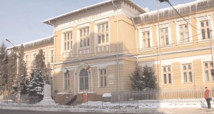 """Colegiul Naţional """" Ienăchiţă Văcărescu"""", coordonează proiectul de parteneriat strategic – Cultura şi istoria noastră prin metode active participante"""