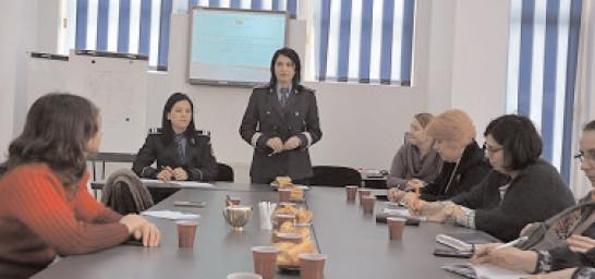 """Activităţi la Centrul de Prevenire a Criminalităţii, în cadrul Proiectului de parteneriat strategic """"Stand Against Drugs"""" (SADs), circumscris Programului Erasmus+."""