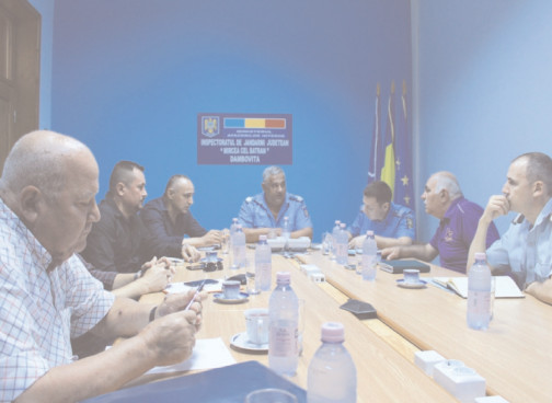 Jandarmeria Dâmboviţa, întâlnire pe linia prevenirii şi combaterii violenţei la manifestările sportive