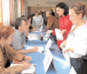 Târgovişte: Vineri are loc Bursa locurilor de muncă pentru absolvenţi