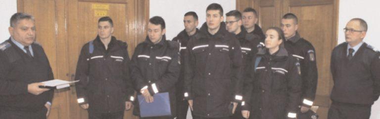 Viitorii jandarmi, în practică la Jandarmeria Dâmboviţa