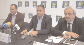 """Preşedintele PNL Dâmboviţa îi transmite lui Adrian Ţuţuianu """"să-şi vadă de treaba lui!"""""""