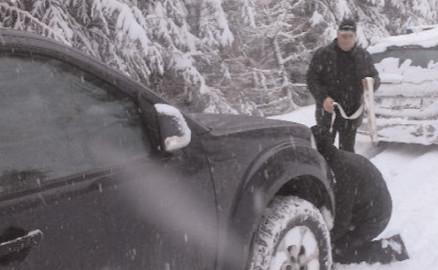 Turişti israelieni, ajutaţi de jandarmii montani de la Postul Zănoaga