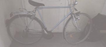 Bănuit de furtul unei biciclete, identificat de poliţişti