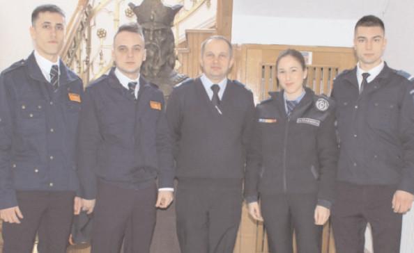 Viitorii ofiţeri, în practică la jandarmeria Dâmboviţa
