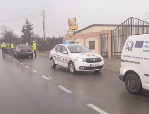 50 DE AUTOVEHICULE CU DEFECŢIUNI TEHNICE MAJORE, IMOBILIZATE ÎN TRAFIC DE POLIŢIŞTI