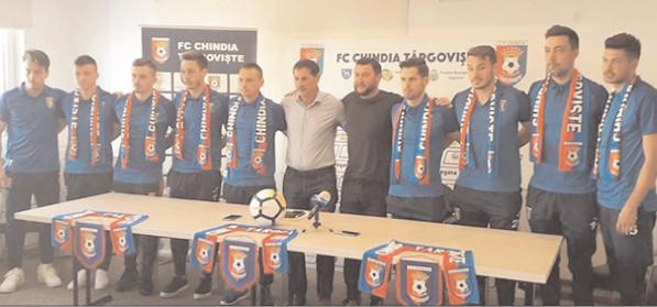"""Viorel Moldovan: """"Dacă nu eşti atent, fotbalul te curentează imediat"""""""