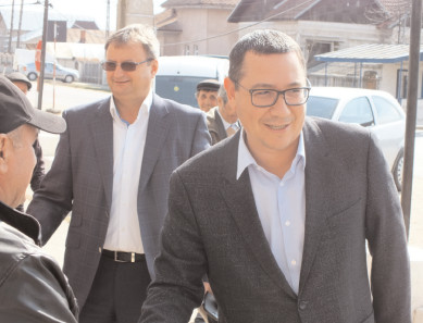 Victor Ponta, preşedintele Pro România, vizită prelungită în Dâmboviţa