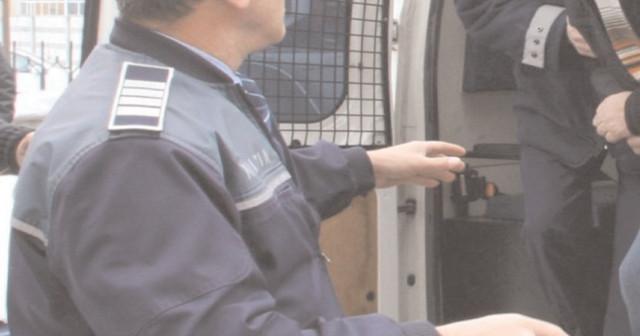 Ordin de protecţie provizoriu, emis pe numele unui tânăr din Târgovişte, bănuit de comiterea infracţiunii de violenţă în familie