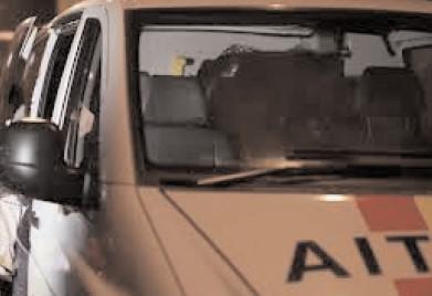 Nu a oprit la semnalul poliţiştilor, s-au tras focuri de arma pentru a prinde şoferul fugar