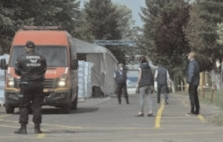 Şoferii care asigurau cursele la Fabrica Arctic Găeşti, băgaţi în izolare