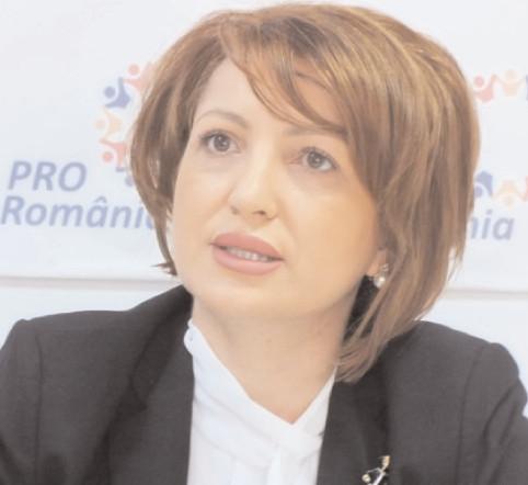 """Oana Vlăducă, Pro România: """"Doamna Anisie a compromis dreptul la educaţie pentru mulţi elevi"""""""