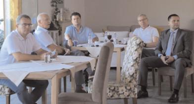 Dezbatere publică pe tema amenajării staţiunii turistice de interes naţional Peştera – Padina