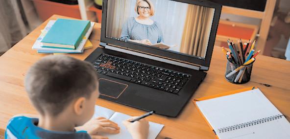 Ministerul Educaţiei şi Cercetării, în parteneriat cu Google şi Microsoft, pune la dispoziţie, în mod gratuit, platforme educaţionale